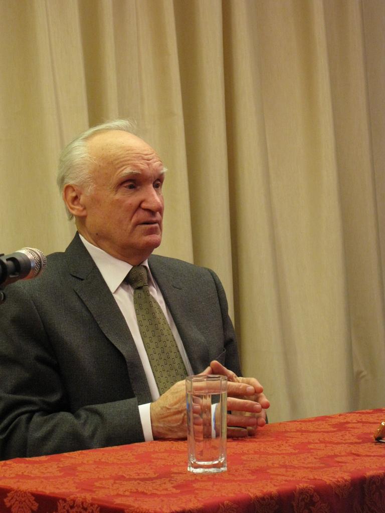 9 декабря состоялась лекция А.И. Осипова заслуженного профессора М.Д.А.