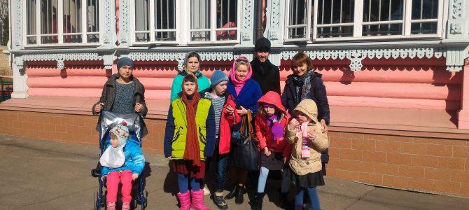 Дети из ЦССВ «Благодарение» посетили наш храм